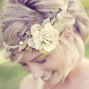 Coronas de flores para novias conestilo
