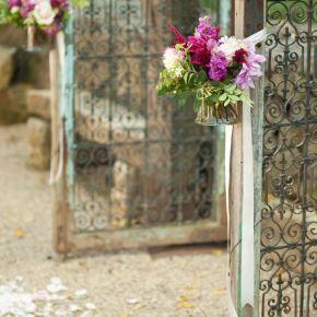 Decorando bodas con puertas demadera