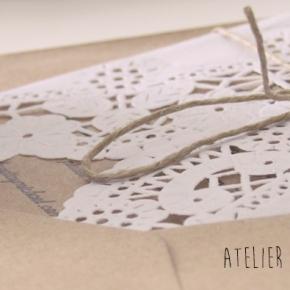 Invitación de boda con blonda de papel ycraft